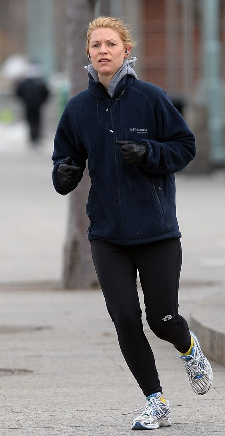 Claire Danes Jogs
